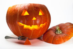 Zucca di Halloween, all'interno dell'illuminato di da indicatore luminoso, gabinetto terrificante Immagine Stock Libera da Diritti