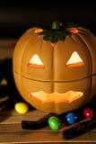 Zucca di Halloween con la caramella Fotografia Stock Libera da Diritti