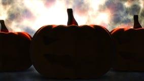 Zucca di Halloween con la luce della candela dentro prima dell'ustione Immagini Stock Libere da Diritti