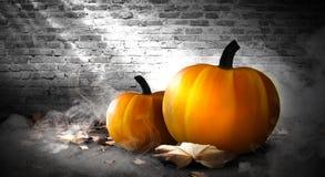 Zucca di Halloween su un fondo scuro immagine stock