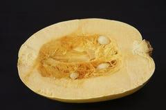 Zucca di spaghetti mezza. Fotografia Stock