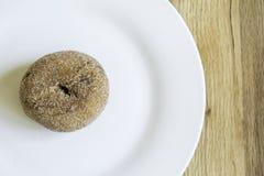 Zucca Sugar Donut Doughnut Plate Left immagine stock libera da diritti