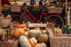 Zucche al mercato Fotografia Stock