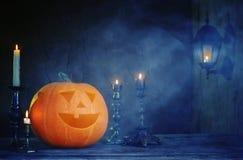 Zucche di Halloween sulla tavola di legno Fotografia Stock Libera da Diritti