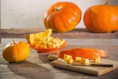 Zucche sulla tavola di legno Fotografia Stock Libera da Diritti