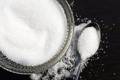 zucchero bianco in ciotola Fotografia Stock