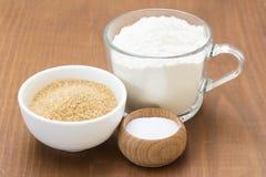 Zucchero bruno, farina e sale fotografia stock libera da diritti