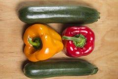 2 перцы и zucchinni 2 Стоковые Изображения RF