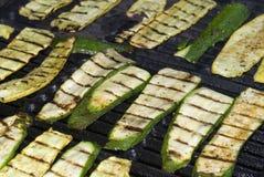 Zucchini auf dem Grill Lizenzfreie Stockfotos