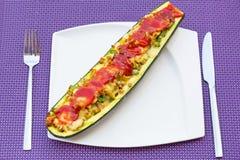 Zucchini faszerujący z minced mięsem Obrazy Royalty Free
