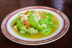 Zucchini med ägget Arkivbilder