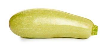 Zucchini organico fresco verde isolato su fondo bianco Fotografia Stock