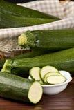 Zucchini (pepo del Cucurbita) Fotografia Stock