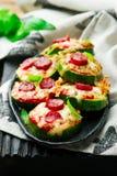 Zucchini-Pizza-Bisse Lizenzfreie Stockfotos