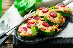 Zucchini-Pizza-Bisse Stockbilder