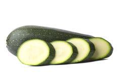 Zucchini pokrajać odizolowywającym Zdjęcie Royalty Free