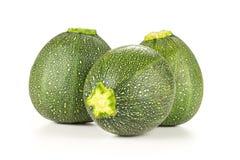 Zucchini rotondo crudo fresco isolato su bianco immagine stock