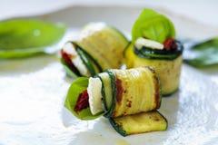 Zucchinirollen Lizenzfreie Stockfotos