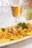 zucchinis семг макаронных изделия Стоковое Фото