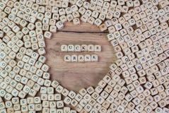 Zuckerkrank, testo tedesco per il diabetico, parola nelle lettere sul cubo taglia sulla tavola immagini stock