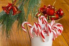 Zuckerstangen am Weihnachten Lizenzfreies Stockfoto