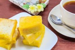 Zuckertoast und Tasse Tee Stockfotografie