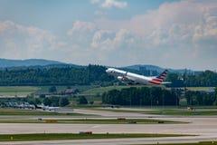 Zuerich, Швейцария - 14-ое мая 2018, американский самолет авиалиний стоковое фото rf