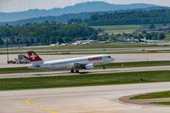 Zuerich, Швейцария - 14-ое мая 2018, швейцарское startin самолета воздуха стоковое фото