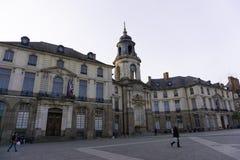 Zufälliges Straßenbild Platzde la Mairie Rennes Frankreich stockbilder