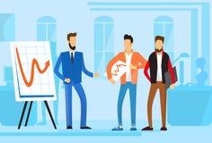 Zufällige der Gruppen-Geschäftsleute Darstellungs-Flip Chart Finance, Wirtschaftler Team Training Conference Meeting Lizenzfreies Stockfoto