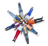 Zufällige Gemeinschaftsliegendes verschiedenes ethnisches Zusammengehörigkeits-Konzept Stockbilder