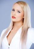Zufällige und sexy blonde Frau  Stockbilder