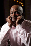 Zufrieden gestellter afrikanischer Mann Lizenzfreie Stockbilder