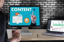 zufriedene Marketing Inhalts-Daten-informieren sich Blogging Medien-Veröffentlichung Lizenzfreie Stockfotos