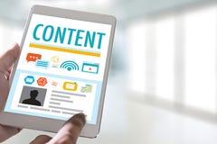 zufriedene Marketing Inhalts-Daten-informieren sich Blogging Medien-Veröffentlichung Lizenzfreie Stockbilder
