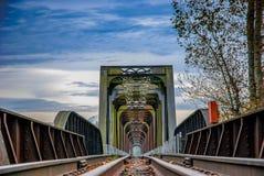 Zugüberfahrt Stockfoto