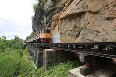 Zug auf der Eisenbahn Lizenzfreies Stockfoto
