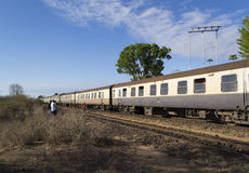 Zug auf der historischen Uganda-Eisenbahn Stockfoto