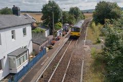 Zug auf der Tarka-Linie in Devon Großbritannien Lizenzfreies Stockbild