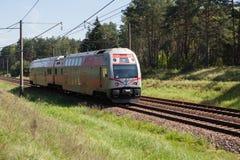 Zug auf der Vilnius- - Kaunas-Eisenbahn Lizenzfreies Stockbild
