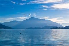 zug de la Suisse de lac Image libre de droits