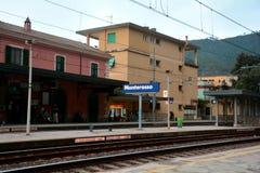 Zug-Depot in Monterosso, Italien Lizenzfreie Stockbilder