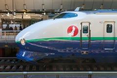 Zug der Kugel mit 200 Reihen (Hochgeschwindigkeits- oder Shinkansen) Stockbild