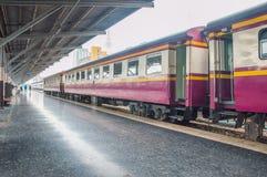 Zug in der Station Lizenzfreie Stockbilder