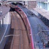Zug an der Station Stockbild
