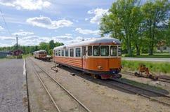 Zug einer schwedischen Bimmelbahn Stockbild