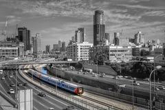 Zug-Israel Tel-Aviv-Farbschwarzweiß lizenzfreies stockfoto