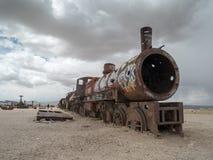 Zug-Kirchhof in Uyuni, bolivianisch Lizenzfreie Stockfotos