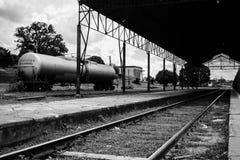 Zug-Plattform stockfotografie