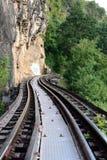 Zug-Reise entlang Fluss Kwai, Kanchanaburi, Thailand Stockbilder